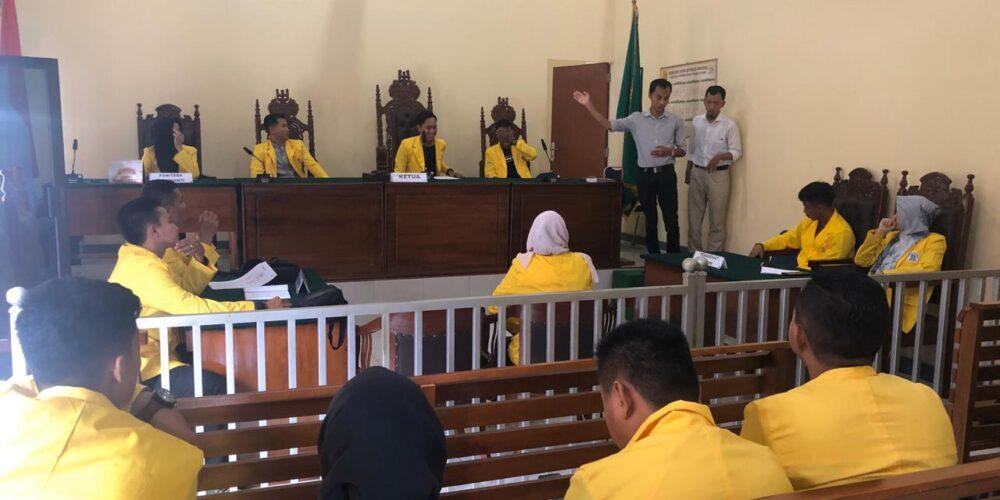 Simulasi Persidangan Oleh Mahasiswa/i Universitas Terbuka Pangkal Pinang Pada Pengadilan Negeri Koba