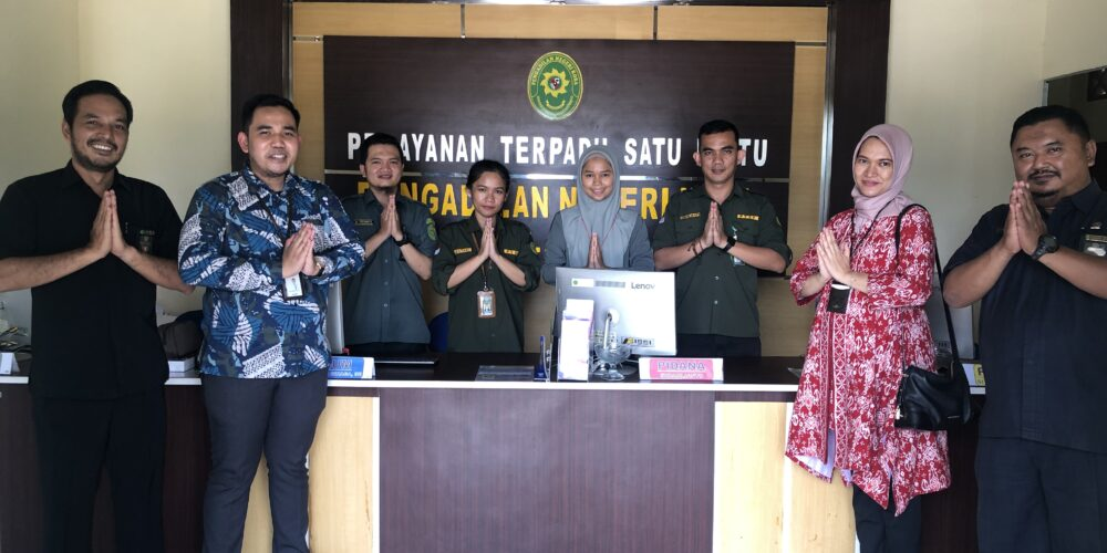 Pelatihan Service Excellent Petugas Pelayanan Terpadu Satu Pintu (PTSP) Pengadilan Negeri Koba Oleh Tim BRI KCP Koba